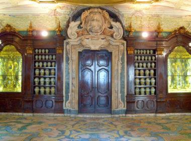 Alla scoperta della Cannabis Sativa italiana - Interno della farmacia dell'Ospedale degli Incurabili