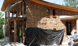 Casa costruita con mattoni in canapa e calce
